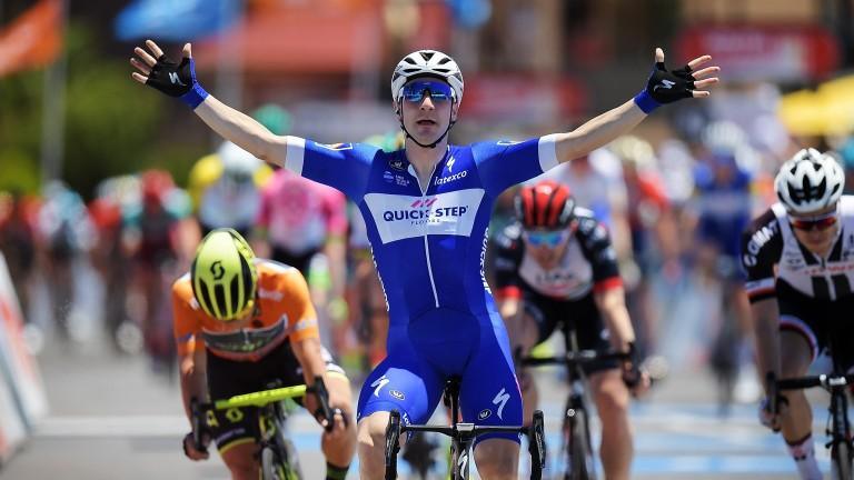 Elia Viviani wins a stage on the Tour Down Under
