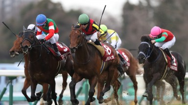 Stelvio (Christophe Lemaire, green cap) claims Epoca D'Oro to win the Spring Stakes