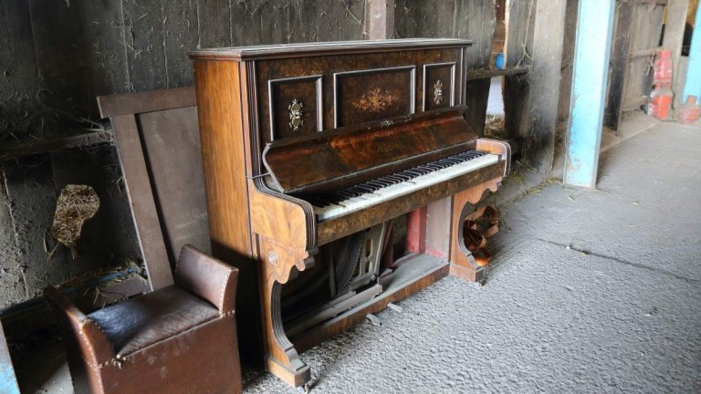 It has a touch of woodworm but, once restored, Mick Easterby's 115-year-old piano will be sold for charity.