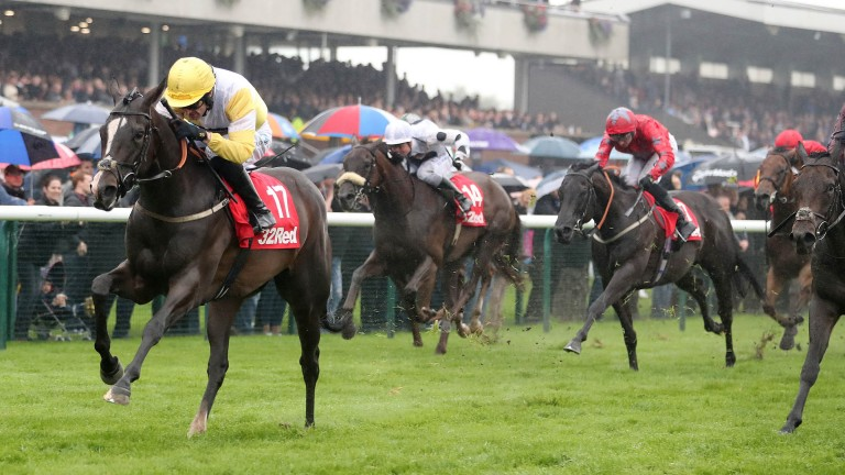 Quiet Reflection powers to success in the 2016 Haydock Sprint Cup