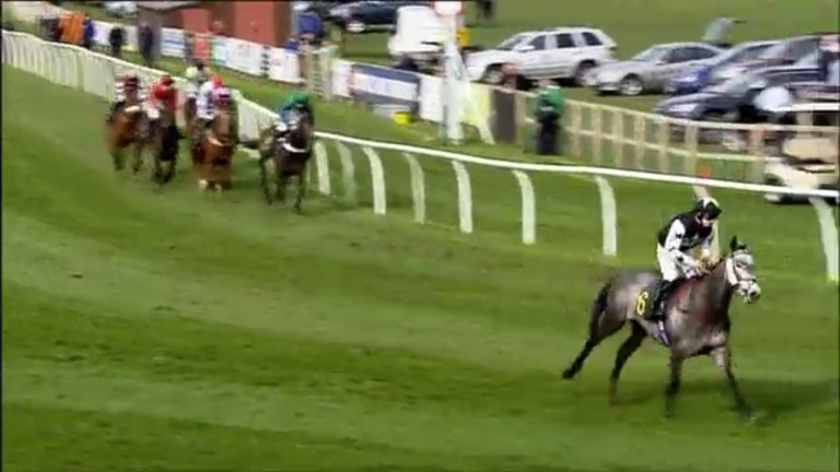 Tissier and Iconic Sky managed to recover and finish third, despite giving up many lengths by going too soon