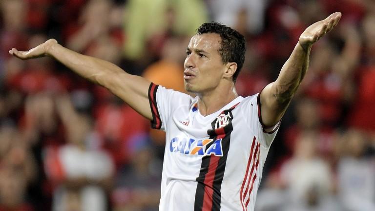 Internacional striker Leandro Damiao