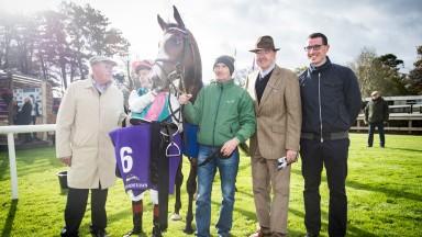 Contingent and Pat Smullen wins the Irish Stallion Farms EBF Fillies Maiden.Leopardstown.Photo: Patrick McCann 22.10.2017
