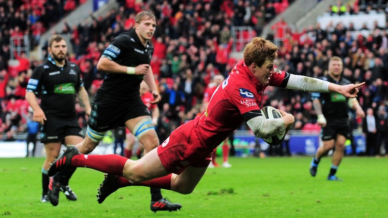 Rhys Patchell scored two tries for the Scarlets against Glasgow