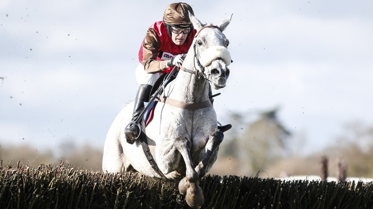 Unioniste and David Maxwell score at Wincanton in March