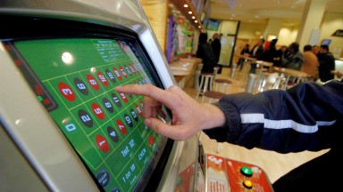 The government plans to cut FOBT stakes to £2 from £100