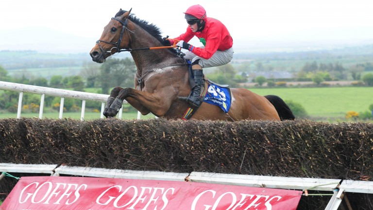 Ask For Glory en route to victory at Bartlemy
