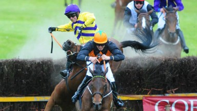 Do You Know What and Barry O'Neill race away to win the five-year-old mares' maiden as Oscar Light and Noel McParlan part company – horse and rider were okay after the mishap