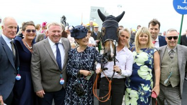 """Caspian Prince and Declan McDonogh with Stephen Louch after winning the """"Friarstown Stud Sapphire Stakes"""" GR2 at the Curragh - Alain Barr - 15.07.2017"""