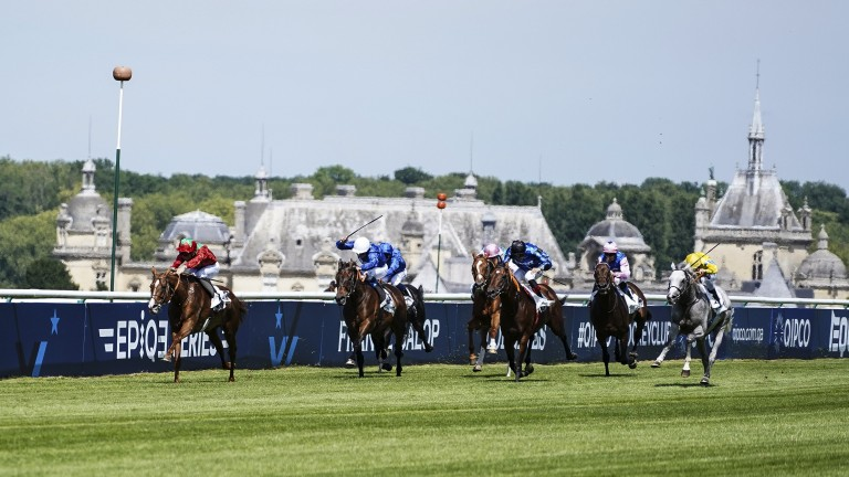Waldgeist storms clear to win the Grand Prix de Chantilly