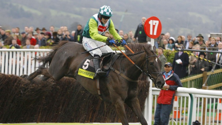 Denamn and Sam Thomas on their way to glory in the 2008 Gold Cup at Cheltenham