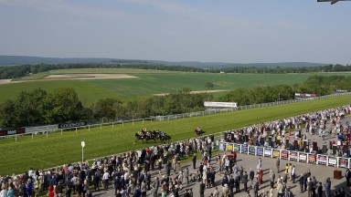 Goodwood stages the best race I've seen there on Sunday, a £15,000 seller