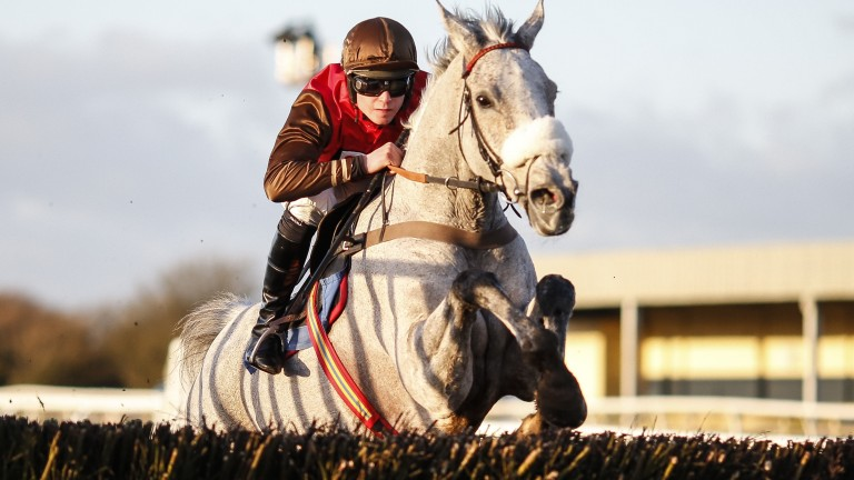 Lorcan Williams shows his champion's style when winning on Unioniste at Wincanton in February