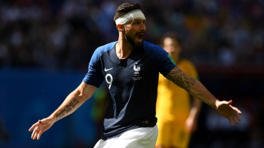 Olivier Giroud should be handed a starting spot against Peru