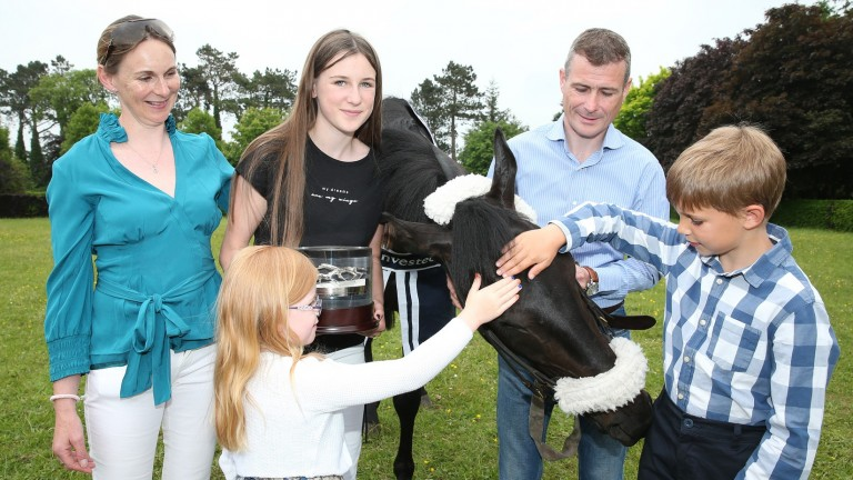 Pat Smullen, his wife Frances Crowley and children Sarah, Hannah and Paddy with Harzand.