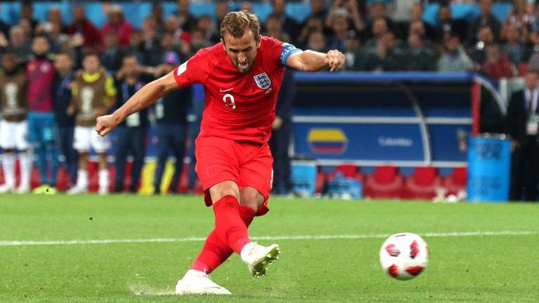 Harry Kane scores England's first penalty against Colombia