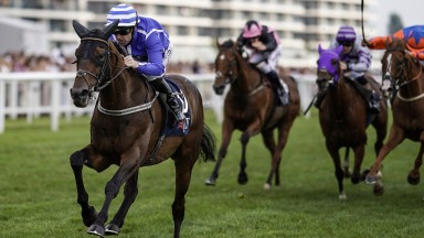 Stratum powers clear for a decisive victory