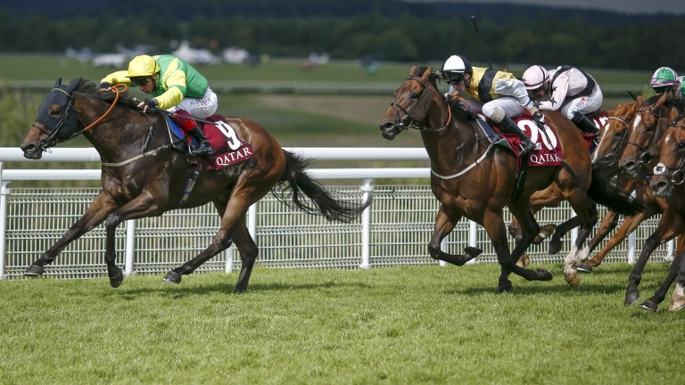 Lancelot Du Lac and Frankie Dettori power to victory in last year's Stewards' Cup