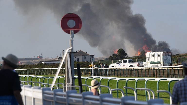 A blaze close to Yarmouth racecourse caused a delay to racing
