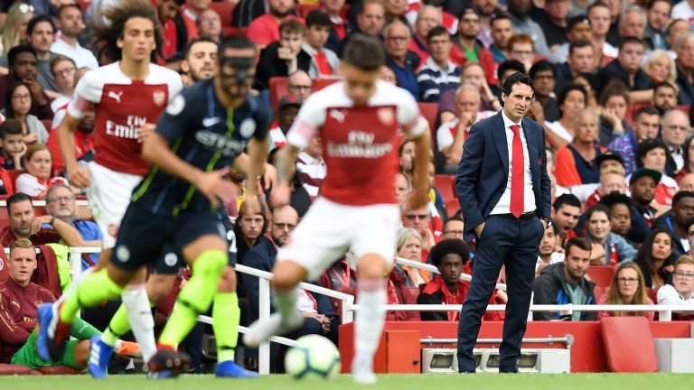 Arsenal manager Unai Emery watches his side play Man City