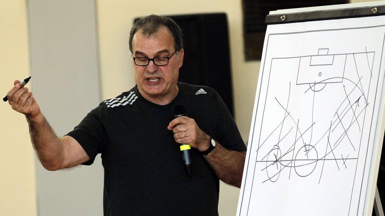 Leeds manager Marcelo Bielsa lays down his tactics