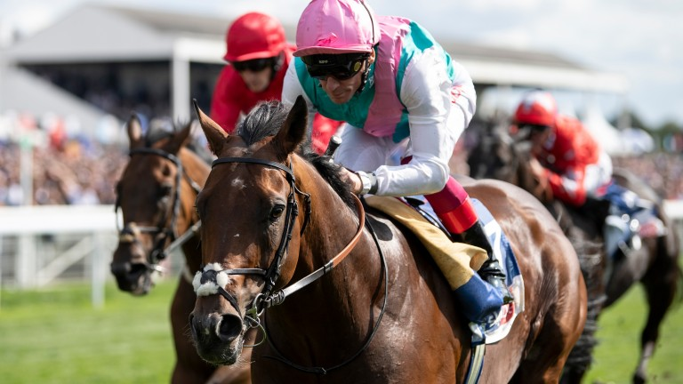 Expert Eye quickens up well to win under Frankie Dettori over 7f at York last time