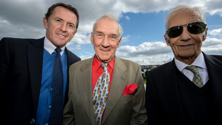 Sir Anthony McCoy (left) and Lester Piggott (right) join Jack Berry for the Leger Legends race at Doncaster