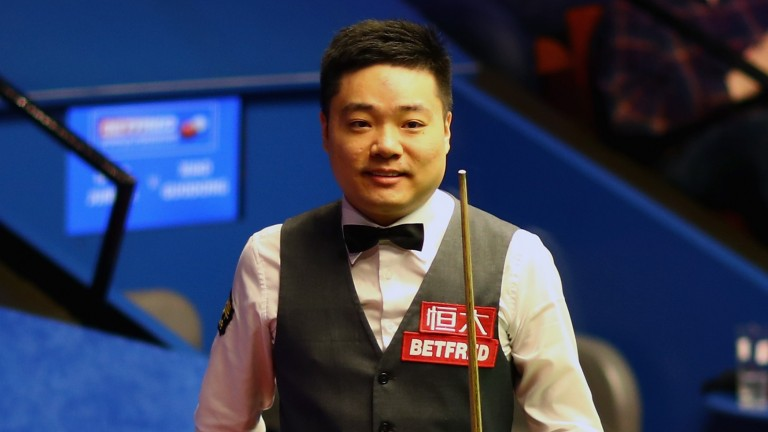 Ding Junhui meets Barry Hawkins in the Shanghai Masters semi-finals