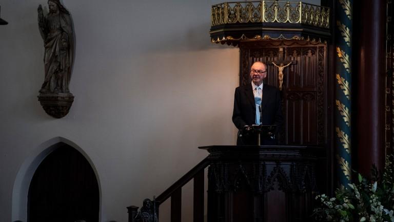 Sir Thomas Pilkington gives the address at John Dunlop's memorial service