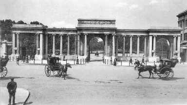 Hyde Parj Corner may have changed little, but the Hansom cabs have long since been replaced