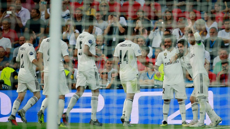 Real Madrid celebrate an Isco goal against Roma