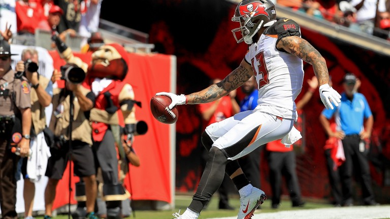 Mike Evans celebrates a TD for Tampa Bay against Philadelphia