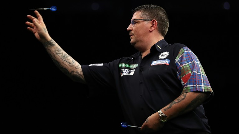 Gary Anderson takes on Michael Unterbuchner in Wolverhampton
