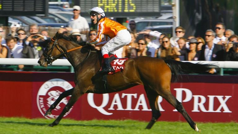 Danedream wins the 2011 Arc under Andrasch Starke