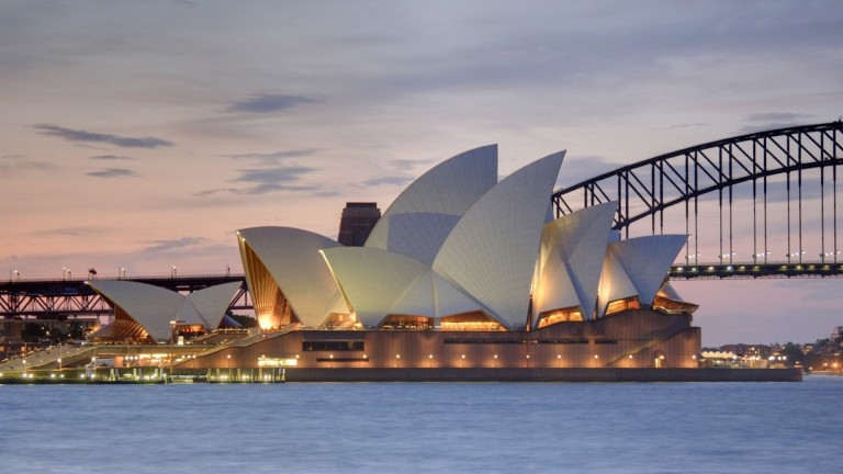 Sydney Opera House: at the centre of a row surrounding the draw for The Everest