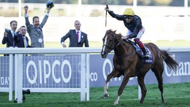 ASCOT, ENGLAND - OCTOBER 20:  Frankie Dettori riding Stradivarius win The Qipco British Champions Long Distance Cup at Ascot Racecourse on October 20, 2018 in Ascot, United Kingdom. (Photo by Alan Crowhurst/Getty Images)