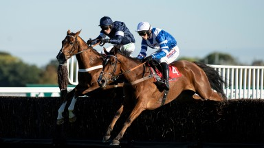 Copain De Classe (white cap) and Casablanca Mix battle it out at Kempton