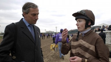 Horseracing Arlington Chicago October 2002Jamie Spencer expains to Luca Cumani about Gossamer Racehorse Sport Horse Racing Action Horseracing Arlington Chicago 2002 Mirrorpix