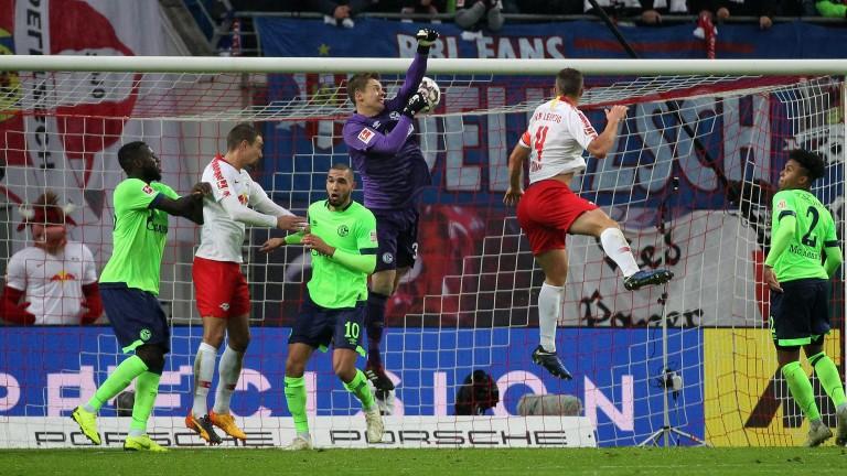 Leipzig lay siege to the Schalke goal