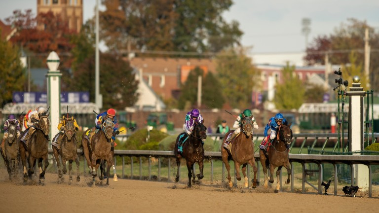 Accelerate (dark green cap) comes out on top in a Classic battle royale