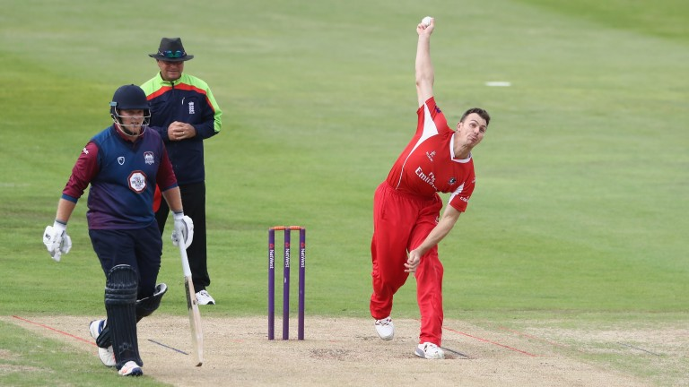 Ryan McLaren bowles for Lancashire against Northants in the 2017 T20 Blast