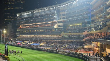 Happy Valley: a breathtaking track in the heart of Hong Kong