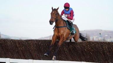 The Worlds End was a ready winner at Cheltenham