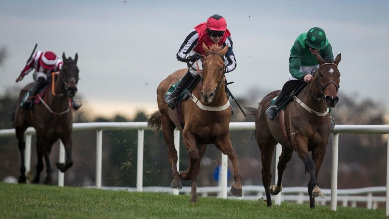 Simply Ned (centre) denies Footpad (right) in the Paddy's Reward Club 'Sugar Paddy' Chase