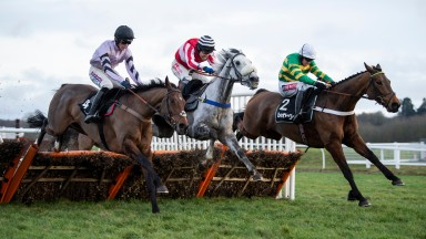 Getaway Trump (black cap) was a fine second in the Challow last time