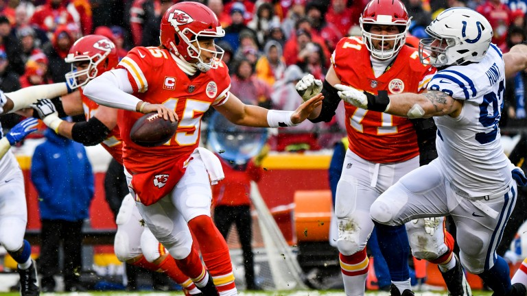 Kansas City Chiefs quarterback Patrick Mahomes successfully fended off the Indianapolis Colts