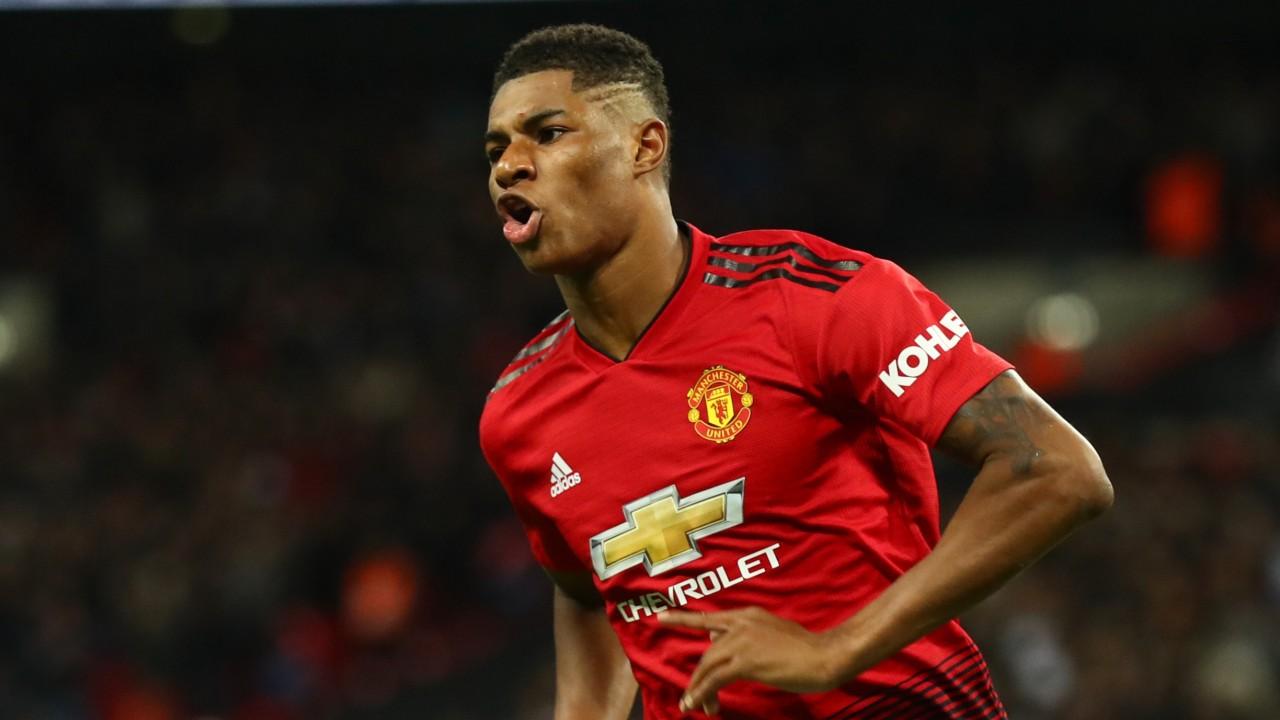Manchester United v Chelsea: match odds, form, team news, stats