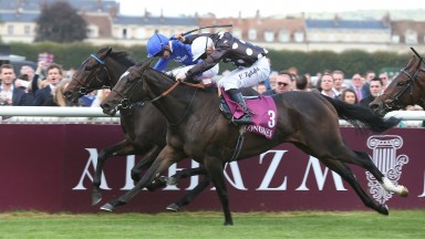 Speedy Boarding (3) carries the famous Helena Springfield silks to victory in the Prix de l'Opera