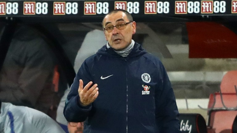 Maurizio Sarri seems to be struggling to motivate the Chelsea players