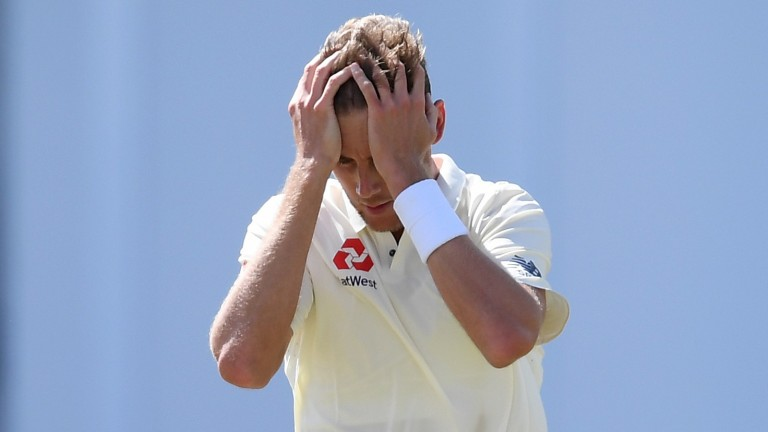 Stuart Broad and his fellow England bowlers had a frustrating session